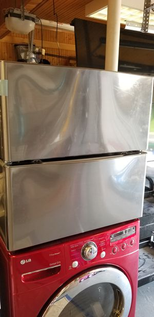 Washer and dryer pedestal for Sale in Rockville, MD