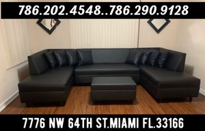 Shape U sectional sofa for Sale in Medley, FL