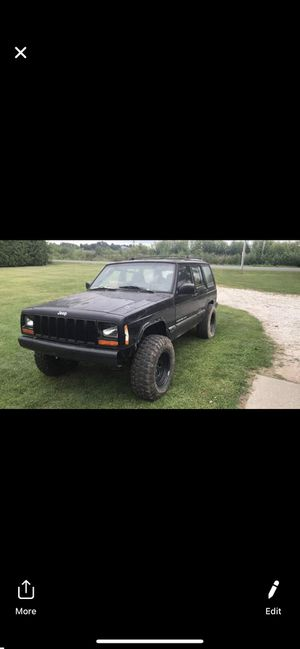 2000 Jeep Cherokee XJ for Sale in Valparaiso, IN