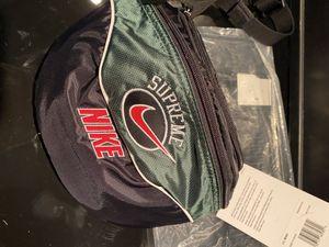 Nike Supreme waist bag for Sale in Snohomish, WA