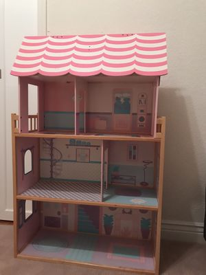 Doll house for Sale in San Ramon, CA