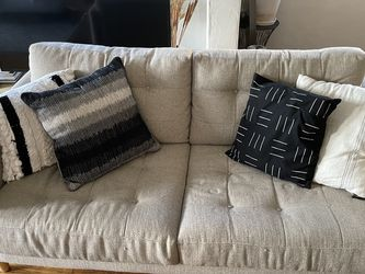 Tufted Sofa for Sale in Los Angeles,  CA