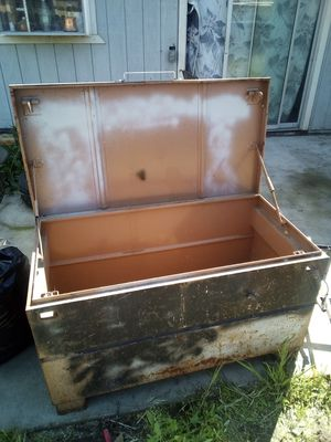 Knaack tool box for Sale in Lathrop, CA