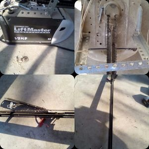 LiftMaster 1356 1/2 Hp Chain drive Motor Garage Door Opener (7 ft rail included) for Sale in Dinuba, CA