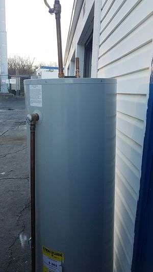 Water heater 76 gallon gas for Sale in Fort Washington, MD