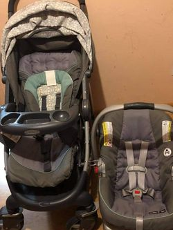 Car Seat And Stroller for Sale in Newark,  NJ