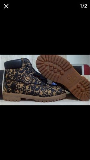 Timberlands size 5 1/2 for Sale in Cleveland, OH