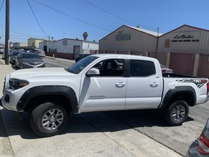 2019 TOYOTA TACOMA for Sale in South Gate, CA