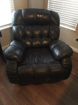 Leather recliner for Sale in Clovis, CA