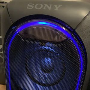 Awesome Sony Big Bluetooth party Speaker with Extra Bass and many DJ and other features for Sale in Dallas, TX