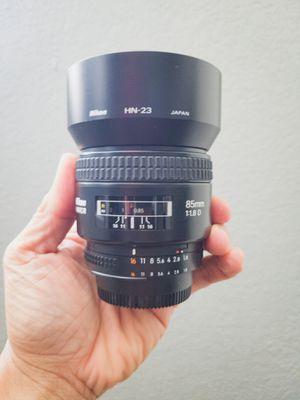 Nikon AF NIKKOR 85mm f/1.8 D lens for Sale in San Diego, CA