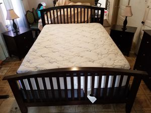 Queen size bedroom set for Sale in Cleveland, OH