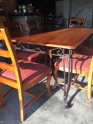 Dining Set with 6 ladder back wood chairs for Sale in Saint James, MO