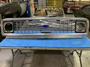 1971 1972 CHEVROLET C10 TRUCK GRILL & SUPPORT 71 72 GRILLE for Sale in Hialeah, FL