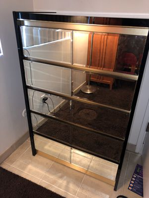Dresser with Mirror Drawers for Sale in Tustin, CA