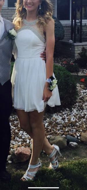 White dress for Sale in Sterling Heights, MI