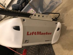 Lift master garage door opener for 7'door for Sale in Cleveland, OH