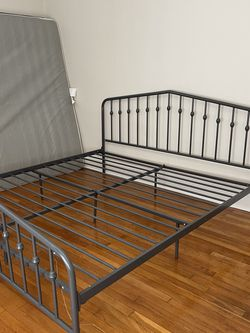 Metal King Bed (Gray) for Sale in Tampa,  FL