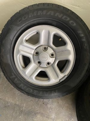 Jeep wheels for Sale in Maywood, CA
