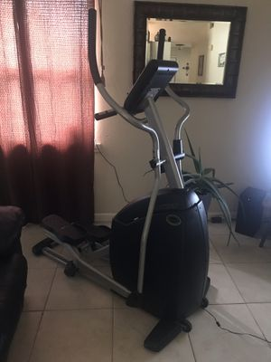 Elliptical workout machine for Sale in Kissimmee, FL