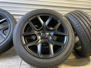 "22"" Dodge Ram black 2020 1500 Laramie 6 lug factory oem wheels 285/45R22 Goodyear tires rims for Sale in Roseville, CA"
