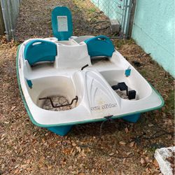 sundolphin Sunslider 5 Person Paddle boat for Sale in Clearwater,  FL