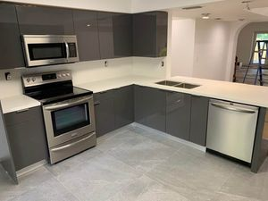 8' X 8' Kitchen Cabinets And Countertop - Custom Design - Many Colors Available for Sale in Miami, FL