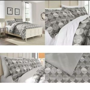 Jonah 3-Piece Reversible Geometric Charcoal Queen Comforter Set for Sale in Longview, TX