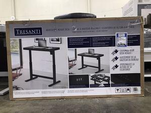 Tresanti Adjustable Height Desk for Sale in Sacramento, CA