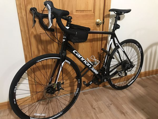 Must go this weekend Road bike cannondale synapse