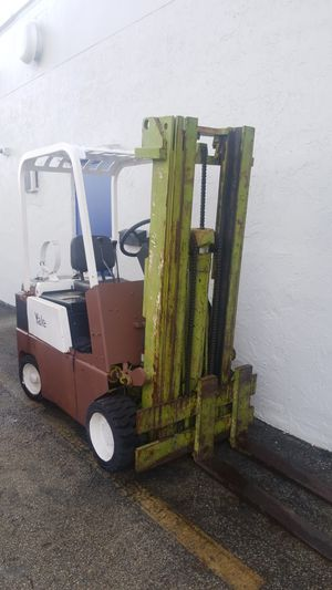 Yale forklift 5000 lbs for Sale in Miami Lakes, FL