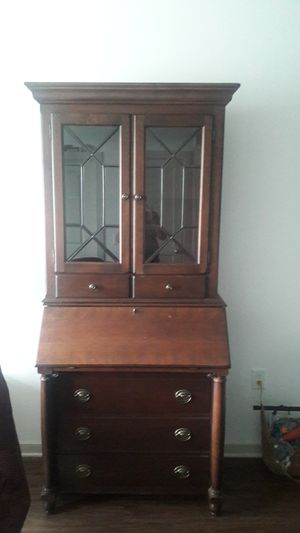 Mahogany Secretary Desk by Broyhill for Sale in West Chester, PA