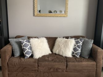 Brown Couch for Sale in Lewis Center,  OH