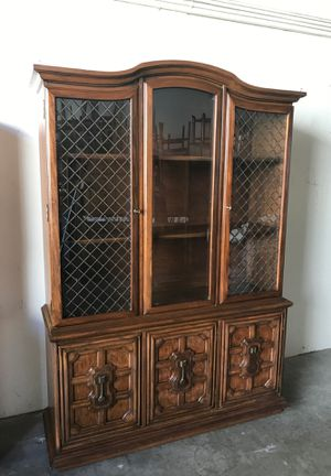 Antique china cabinet for Sale in Garden Grove, CA