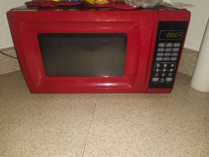 Microwave 30$ crockpot 20$ shoes20$ TV 60$ for Sale in Las Vegas, NV