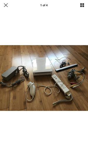 Nintendo Wii White Console RVL-001 Tested, Working, Game Cube Compatible - LOT for Sale in Sun City, CA