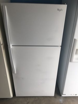 Whirlpool 14 cu ft top freezer refrigerator for Sale in San Diego, CA