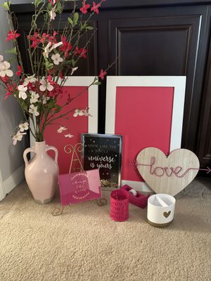 Pink and gold room decor for Sale in Fontana, CA