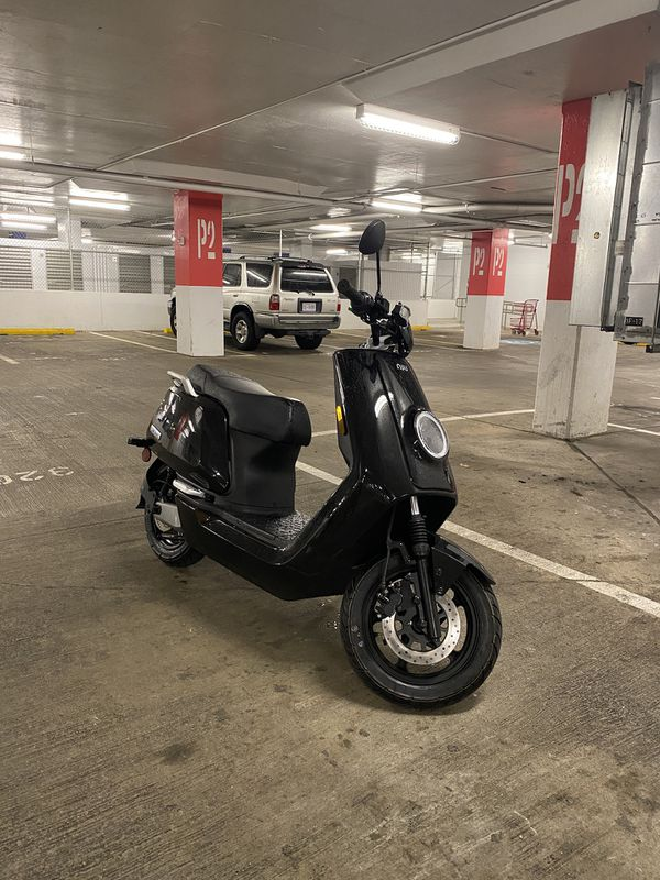 NIU N-Series Electric Scooter (moped vespa style)
