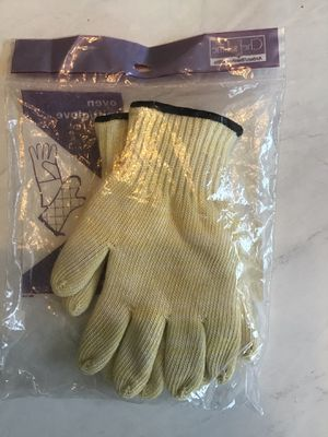 """Chef's Line Industrial Quality New 10"""" Oven / Freezer Glove Pair for Sale in Goodlettsville, TN"""