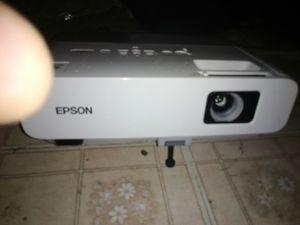 Epson projector. for Sale in San Antonio, TX