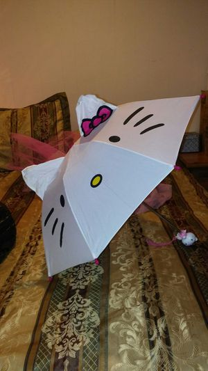 3$ CHILDS HELLO KITTY UMBRELLA for Sale in Baltimore, MD