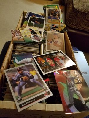 Box of Star, Minor Star, and Hall of Famer Baseball Cards for Sale in Hilliard, OH