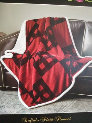 Buffalo Plaid Sherpa Throw Blanket for Sale in Bedford, IN