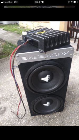 Music amplifier an speaker for $200 for Sale in Orlando, FL