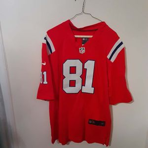 Patriots Aaron Hernandez jersey new (no tags) for Sale in Plainville, CT