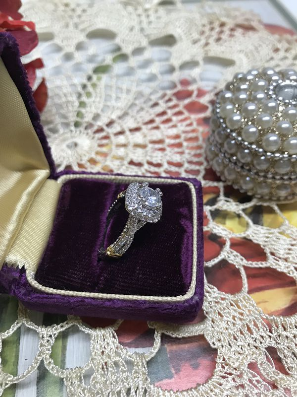 14K two tone gold plated White Sapphire Simulated Diamonds Promised/Engagement Ring Sz6,7