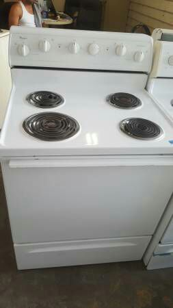Whirlpool White Coil Top Stove for Sale in Tampa, FL