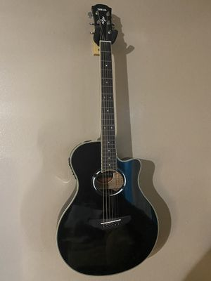 Yamaha APX500lll guitar for Sale in Las Vegas, NV