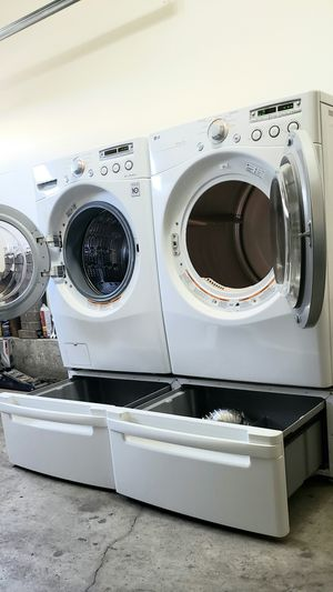 Lg washer and dryer set excellent condition for Sale in Newport Beach, CA